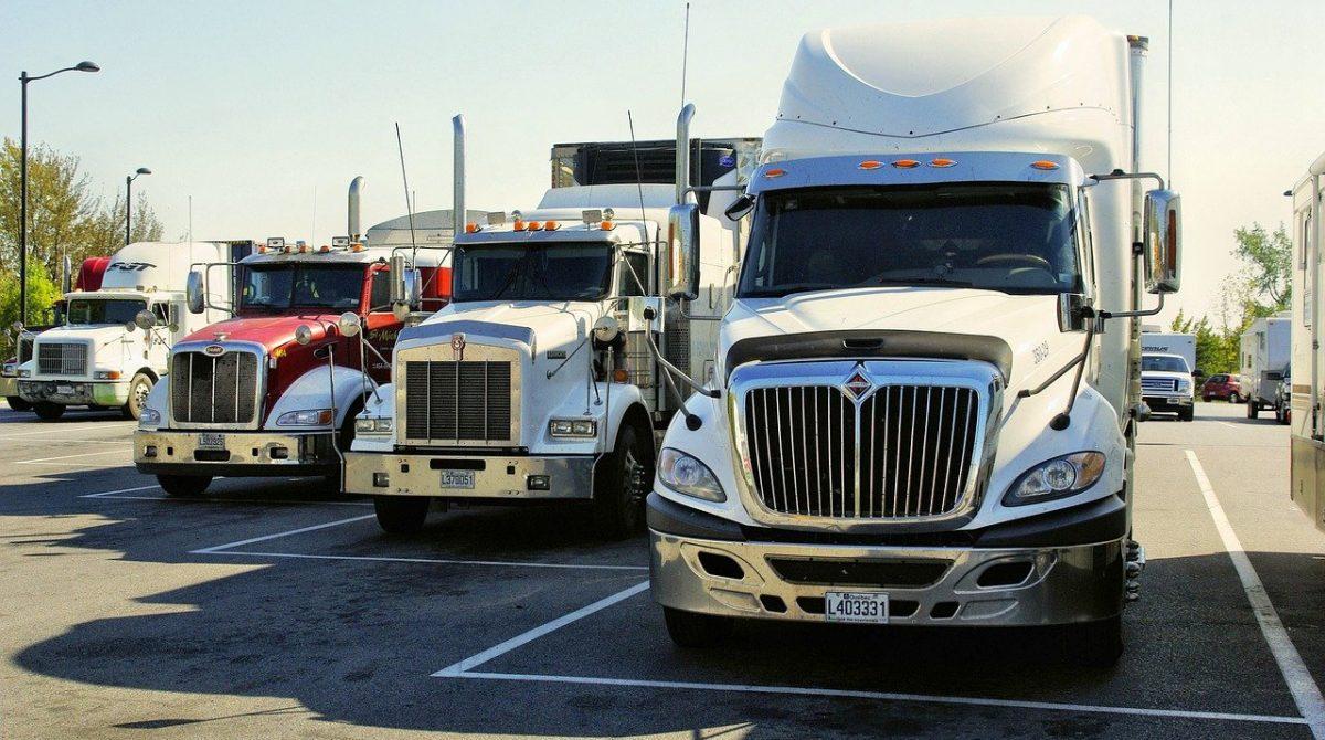 האם כדאי לרכוש ביטוח משאיות ישיר, או באמצעות סוכן ביטוח?